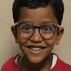 キャンペーン100への寄付によって、視力ファーストの成果が受け継がれ、数百万人が目に関する治療や教育を受けることができるようになります。